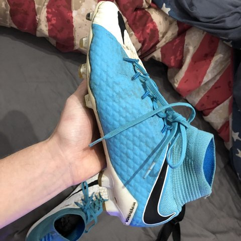 0c6e12983 @joesydenham37. 2 months ago. Banbury, United Kingdom. Nike Hypervenom  Phantom III Blue and White Size Uk 8. Used condition