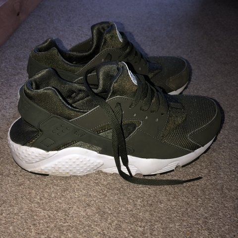 b875ed9c1a95 Khaki Green Huaraches Nike Size 5 Amazing condition only - Depop