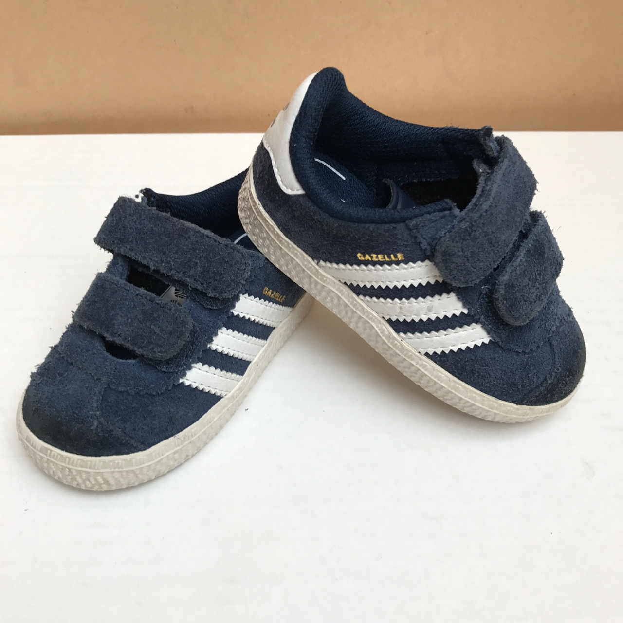 Toddler kids Adidas trainers gazelle navy suede...
