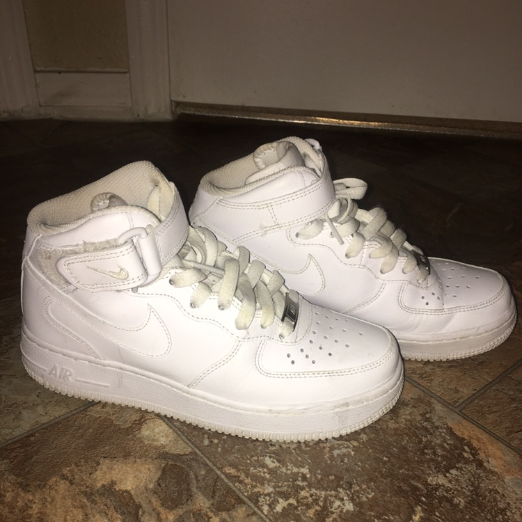 pretty nice acc28 f57fe Women's Nike Air Force 1 High 08 LE size 6. Worn... - Depop