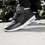 746b00e1340 STEFAN JANOSKI MAX MID black White. €90. Reebok CL LEATHER ALR black gold  prodotto