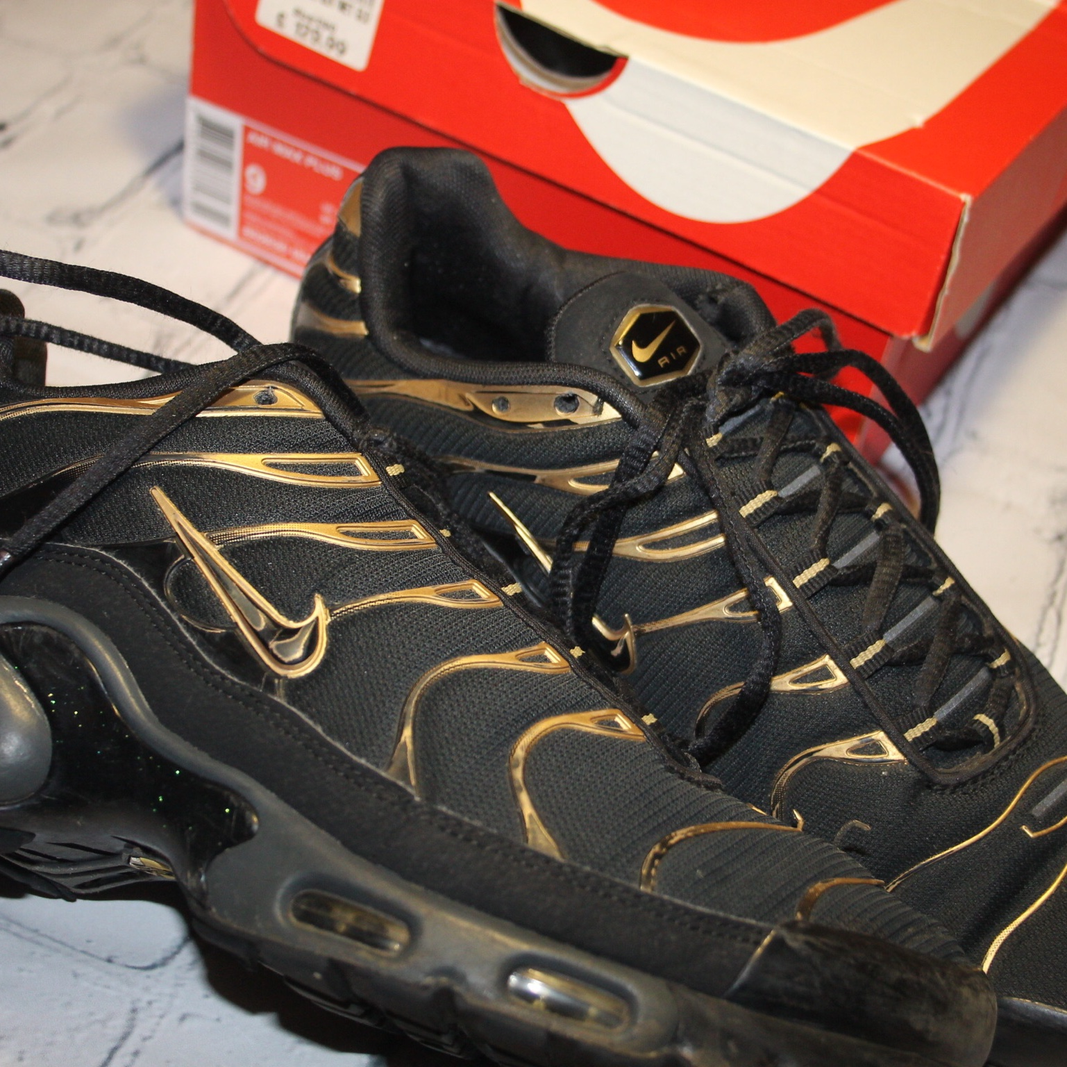 check out d575f 87fa9 Limited edition Nike tns. Black and gold Nike tuned.... - Depop