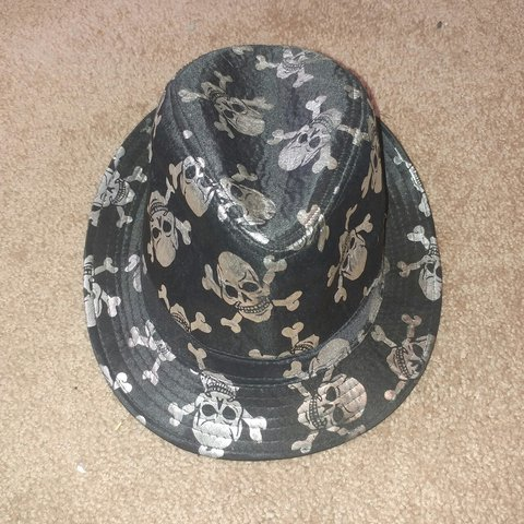 d2866946cdad3d @soughtanarchy. 2 years ago. Austin, Travis County, United States. Skull  And Crossbone Fedora Size: M