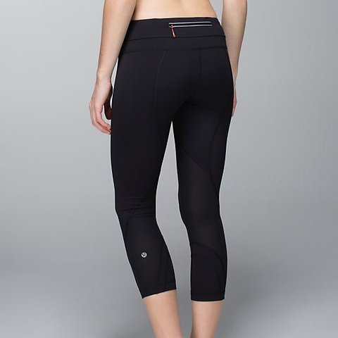 5909a5a46192e @myacarterr. 23 hours ago. United States. LULULEMON CAPRI LEGGINGS Super  cute leggings from lulu!