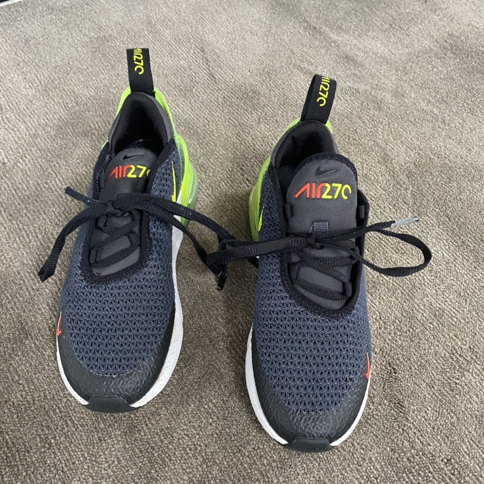 Nike air 270s black and yellow size 13
