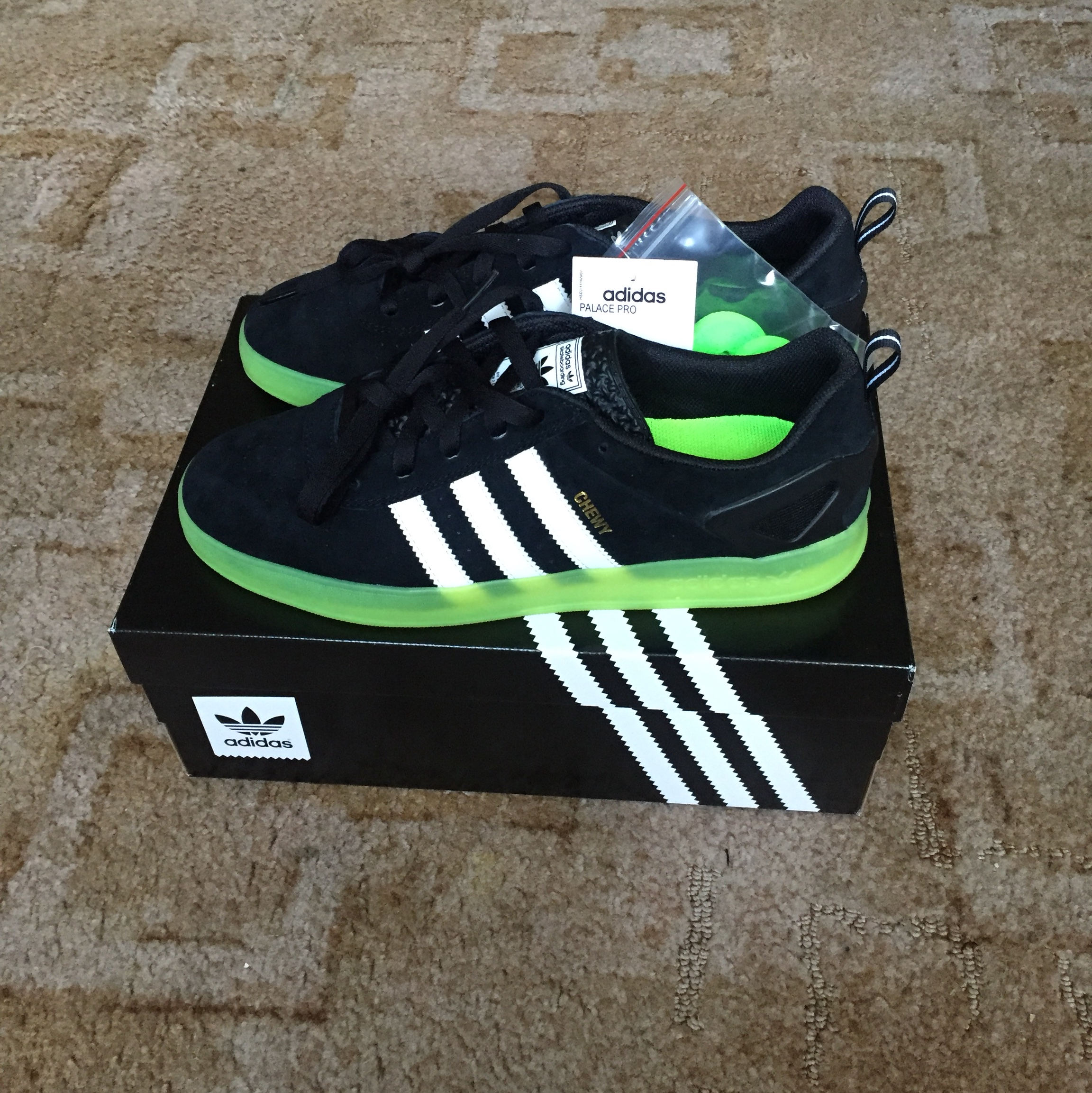 Favor Ten confianza costo  Adidas Palace Pro Chewy Cannon UK9 Brand new with... - Depop