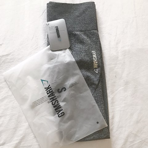 3cc68f80c459b1 GYMSHARK Ombré seamless leggings - Black/light grey Size: S - Depop