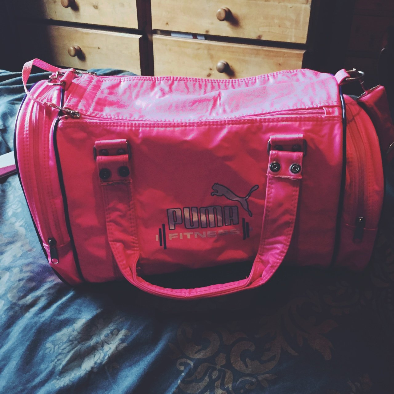467f951821 PUMA bright pink vintage sports bag. perfect condition . 2 - Depop