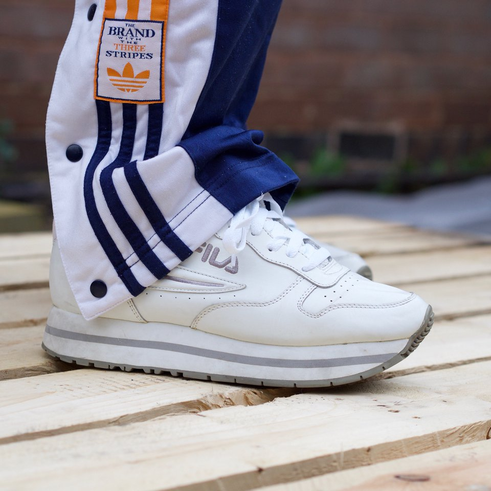 Vintage 90s FILA Trainers in white