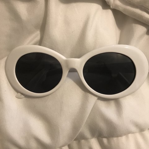 4dee02f8020 White clout glasses Barely ever worn - Depop