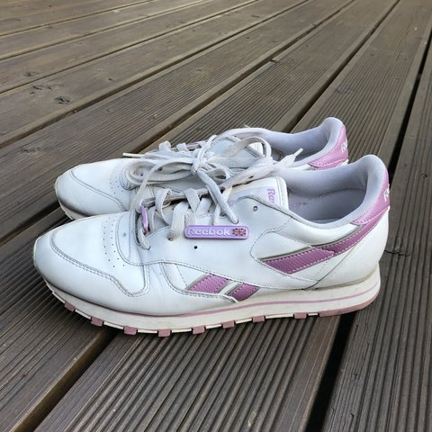 519c7a2bf6c1a1 Reebok trainers Baby pink Vintage retro Slights marks a - Depop