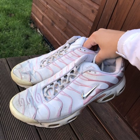 a365d013c5 Nike TNs Baby pink / cute / vintage / retro Size 7 Some a - Depop: