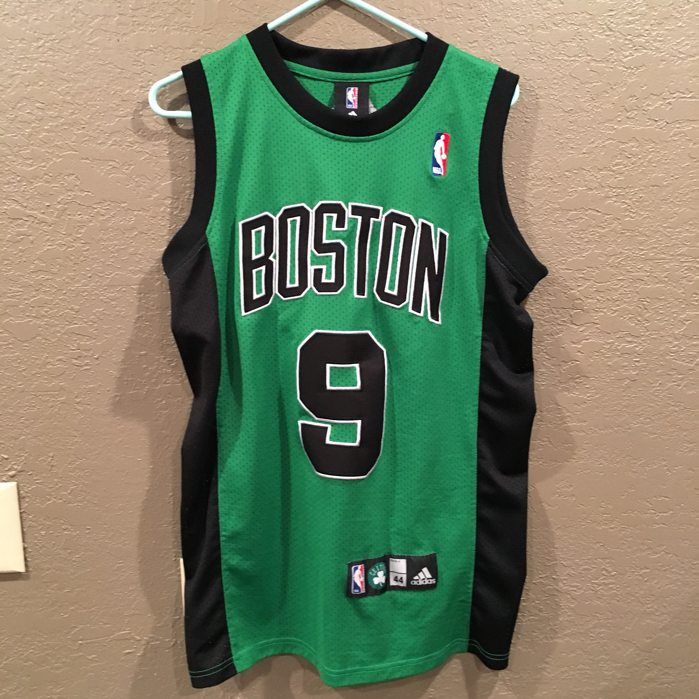 free shipping 89318 fbbc1 Vintage Boston Celtics jersey size medium #vintage... - Depop