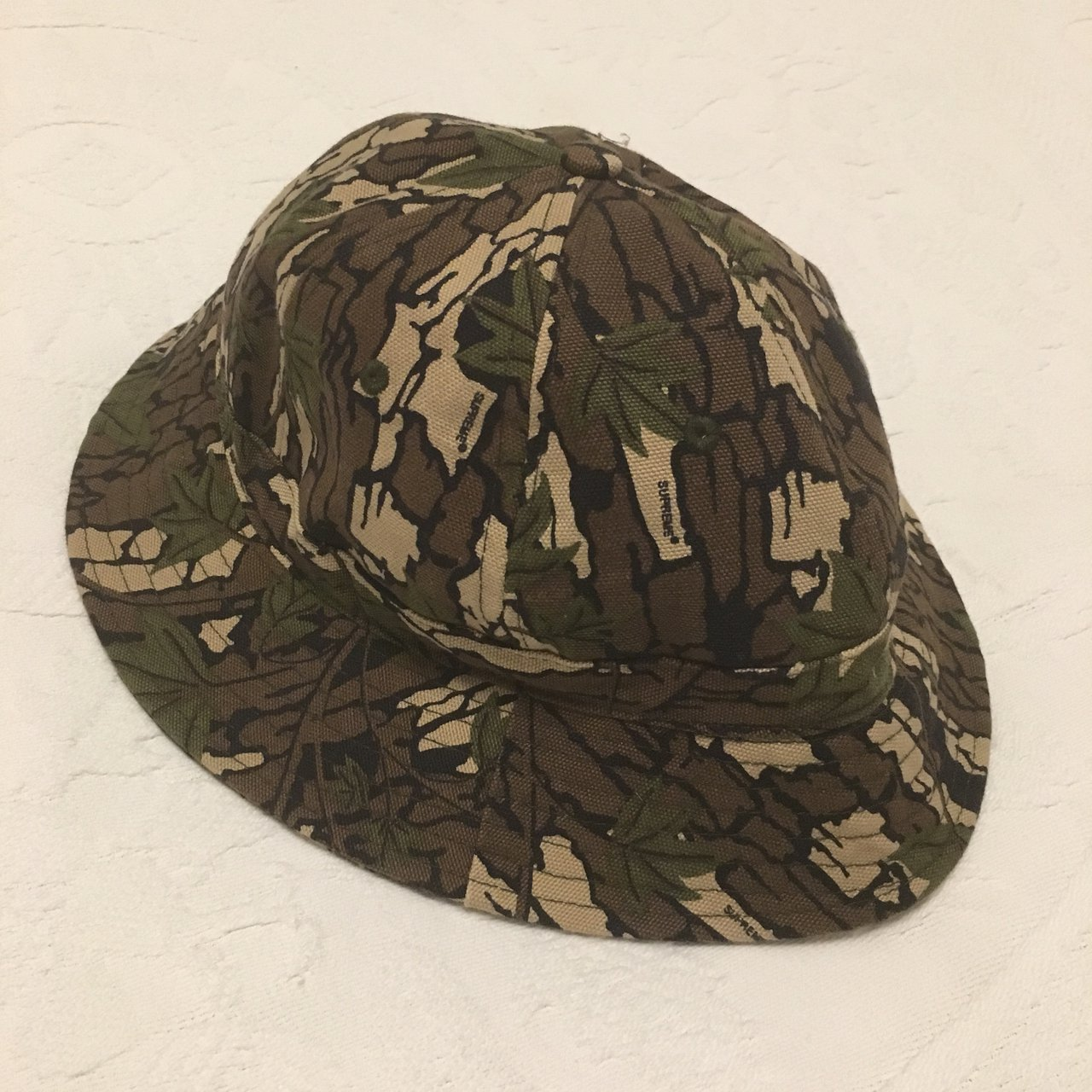 b1e883fc820 Supreme   Levi s Camo Bell Hat Worn Once