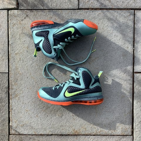 official photos c4fea 906f2 The Nike Lebron 9. Size- 0