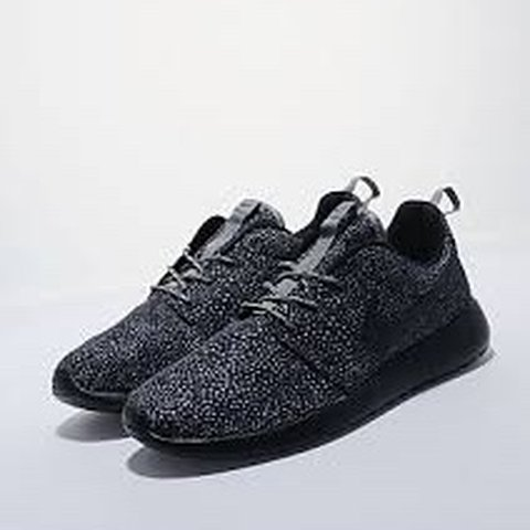 dca2f85e86d83 Nike Roshe Run Speckle limited edition. Worn once as seen by - Depop