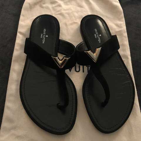 1a0e73d8b790 Louis Vuitton Black Suede BAHIANA toe thong sandals. Size 3 - Depop