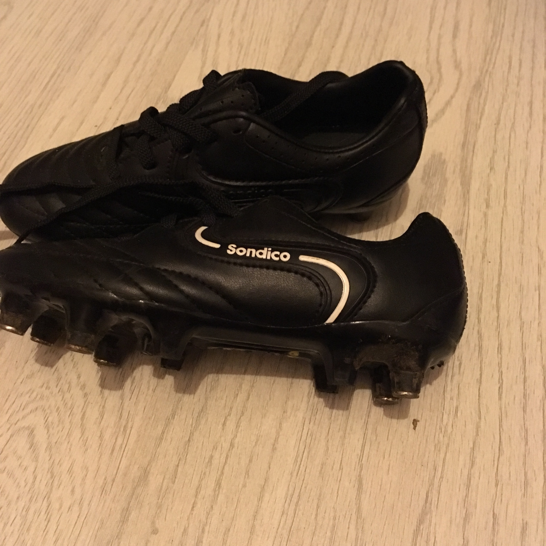 Sondico football boots c13 . Only been