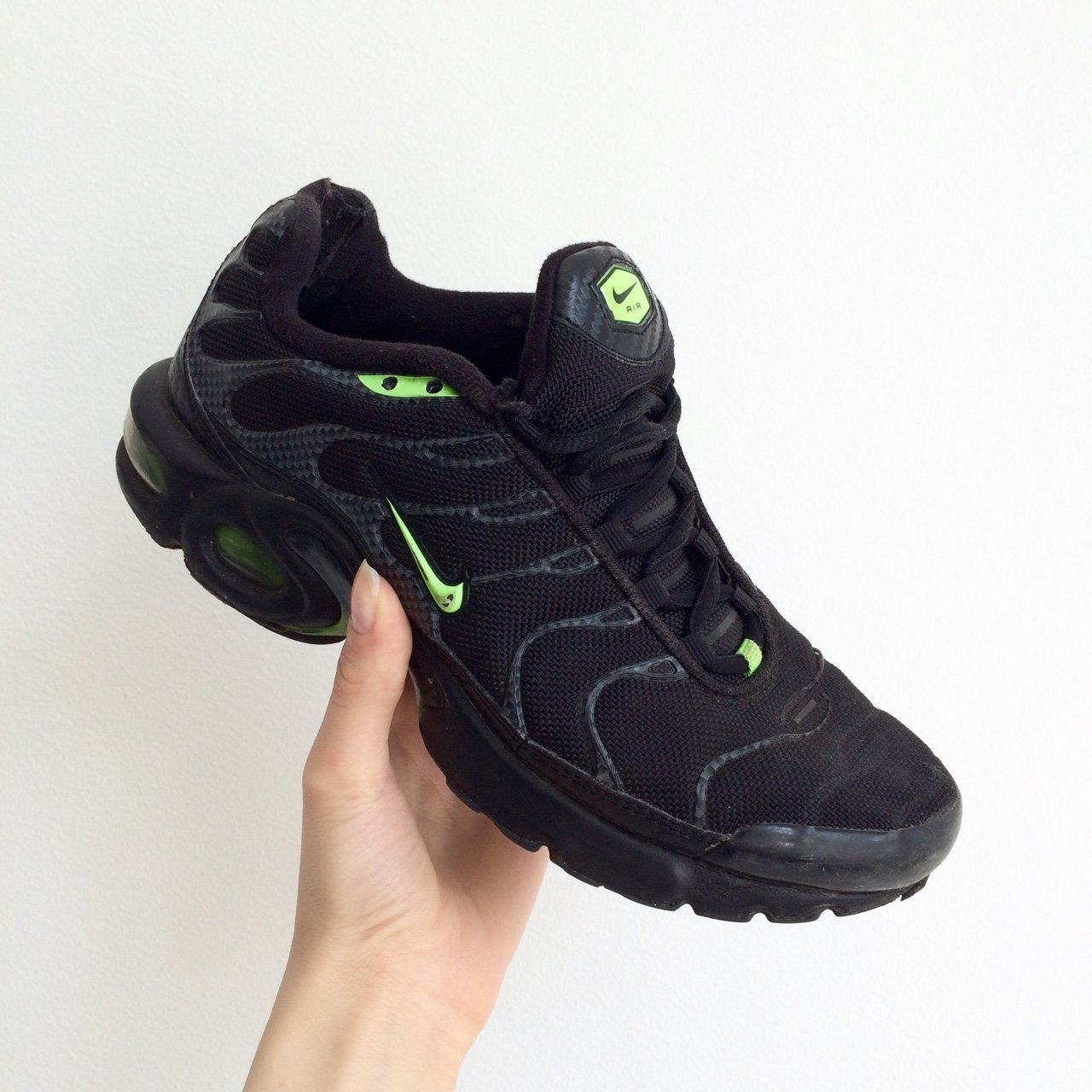 1e6f66c6d3 Nike Air Max TN TNs Tuned 1 black and green colourway in UK - Depop