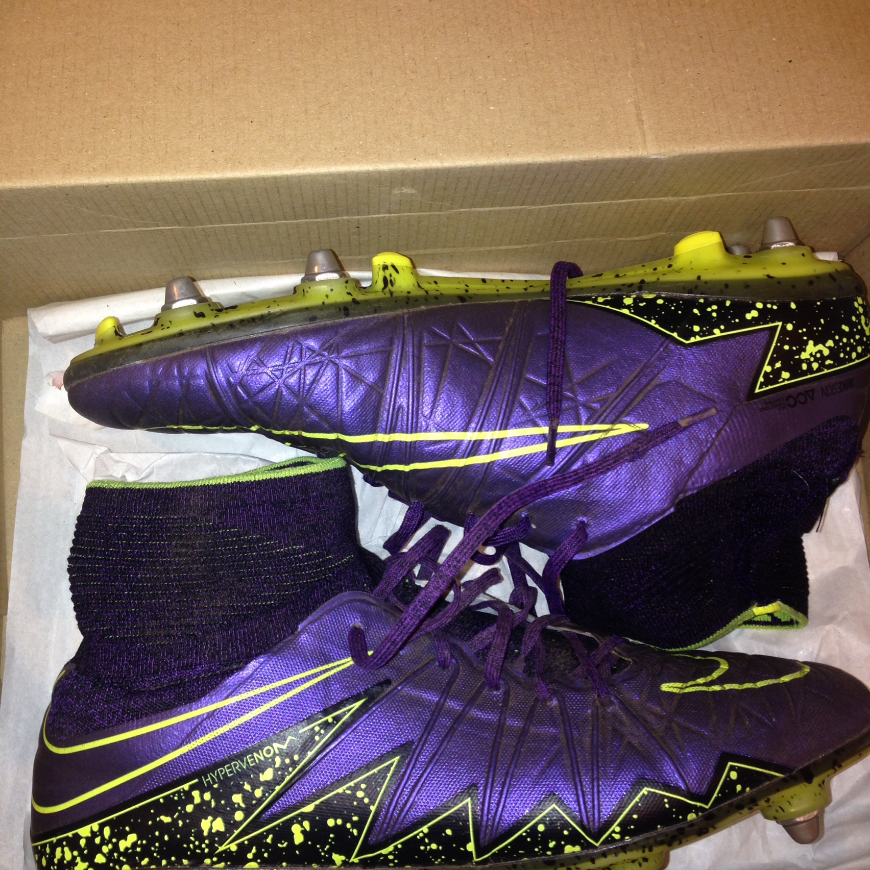 size 40 7571d 17fa0 Nike hypervenom phantom purple and yellow football... - Depop