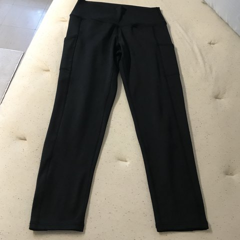 e95946db88af61 @livlivmccormick. last year. Omaha, NE, USA. PRICE DROP Aerie/American  Eagle chill play move leggings