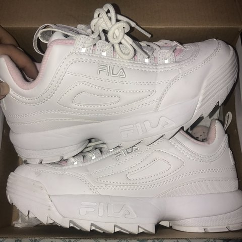 548fd037370 FILA DISRUPTOR WHITE/BABY PINK SIZE 5 Good condition Only - Depop
