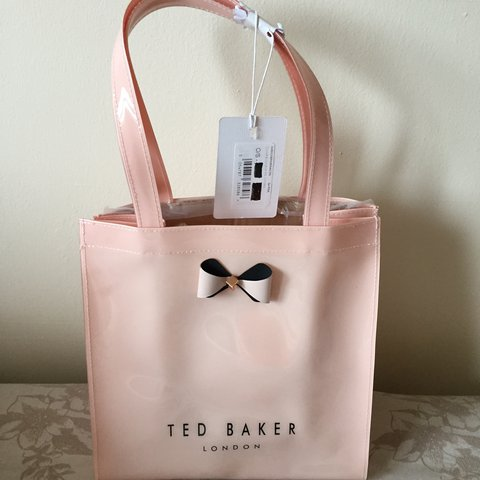 1a2cd1affd92 Stunning pink Ted Baker Minacon Small Bow Tote Bag unwanted - Depop
