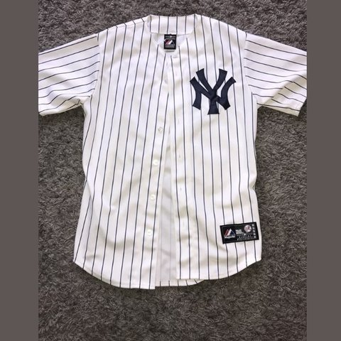 349e254d6fb New York Yankees baseball jersey. Size S. Never been worn
