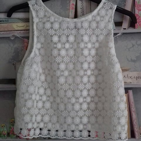 5caa2126651a3b @mossie_. last year. Underwood, Nottinghamshire, United Kingdom. White lace  flower top from H&M