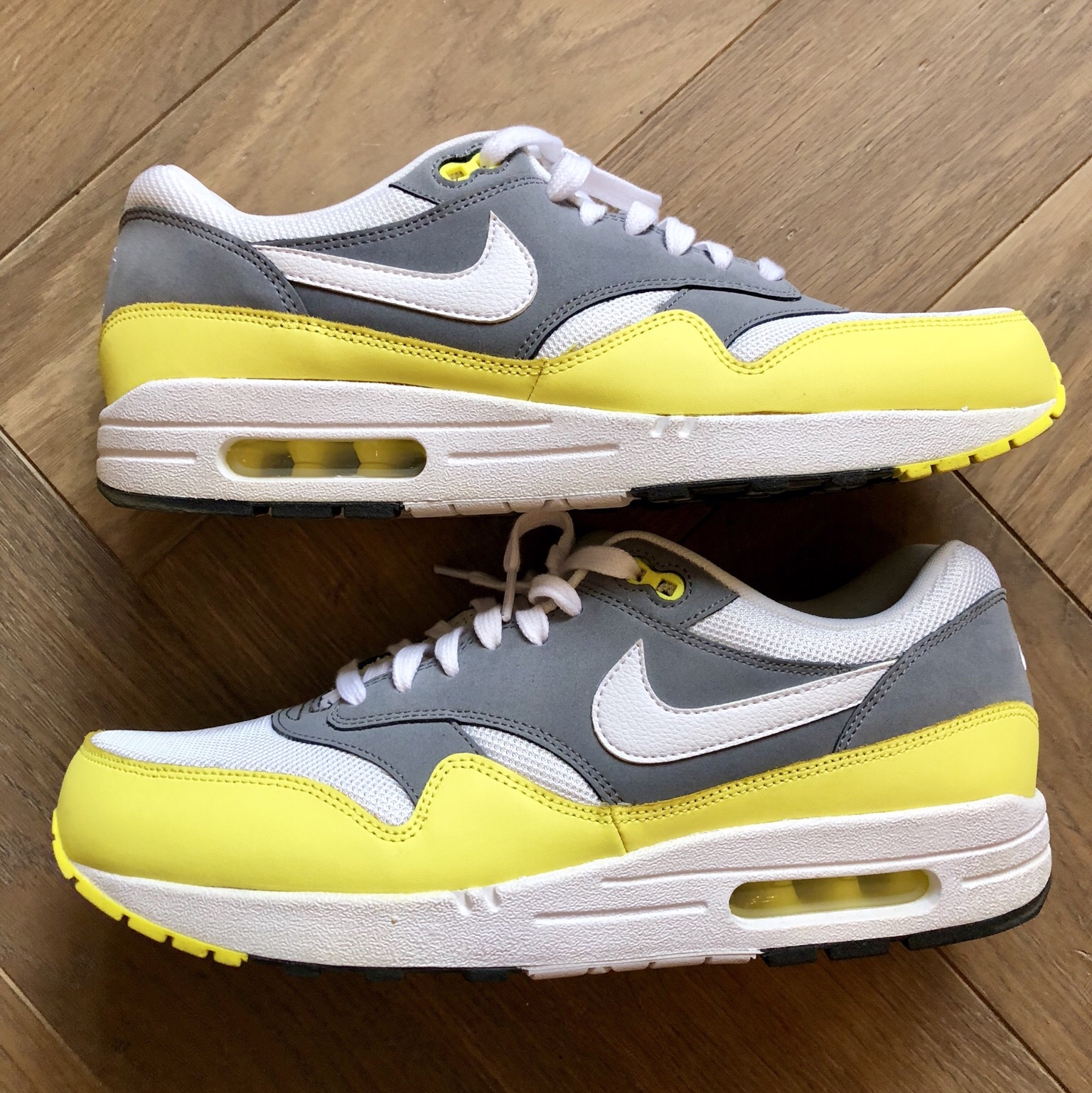 By Photo Congress || Nike Air Max 1 Essential Yellow