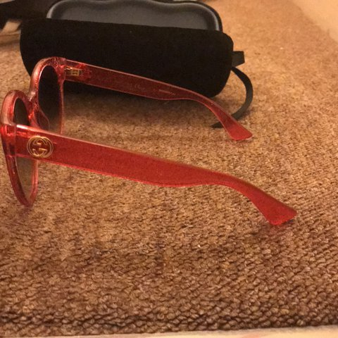 8623d4a8329 Authentic Gucci Pink Glitter Sunglasses Only Worn Twice On - Depop