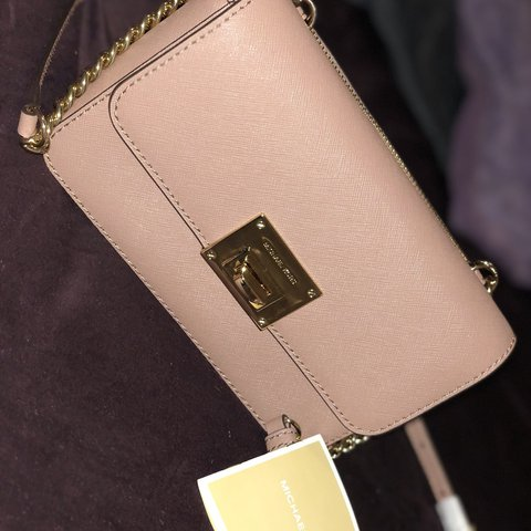 1b8937955323 BRAND NEW! Never been used Michael Kors crossbody with a IS - Depop