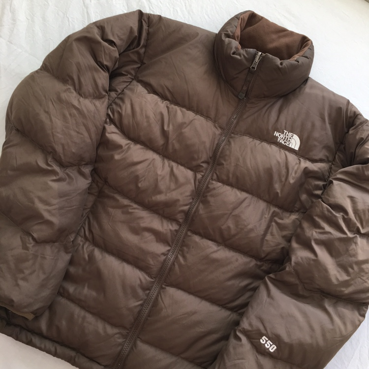 a2810d6ce The North Face 550 Goose Down Puffer... - Depop