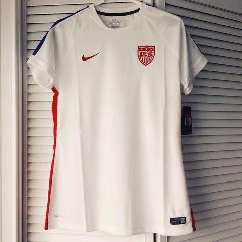 ce78cbec9 @katherinealexander25. 9 months ago. Tampa, United States. NEW W TAGS NIKE  USA SOCCER TRAINING TOP
