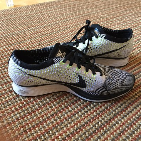 f44d7ac0422a Nike flyknit racers Size 7 Only worn a handful of times - Depop