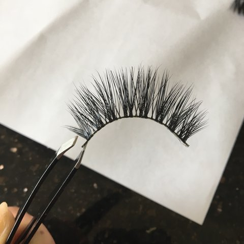 a1b64a54bf9 5 x pairs of faux mink false eyelashes - the perfect wispy 5 - Depop