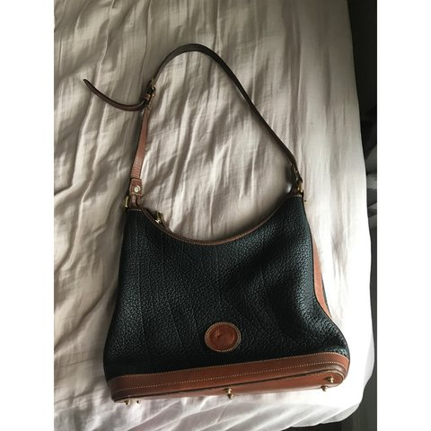 BLACK AND BROWN DOONEY   BOURKE purse in awesome condition - Depop 64182e3e3bb8d