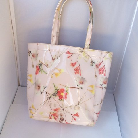91a25727ee @mia_xoox. 4 years ago. Solihull, United Kingdom. Ted baker pastel pink  floral print bag ...
