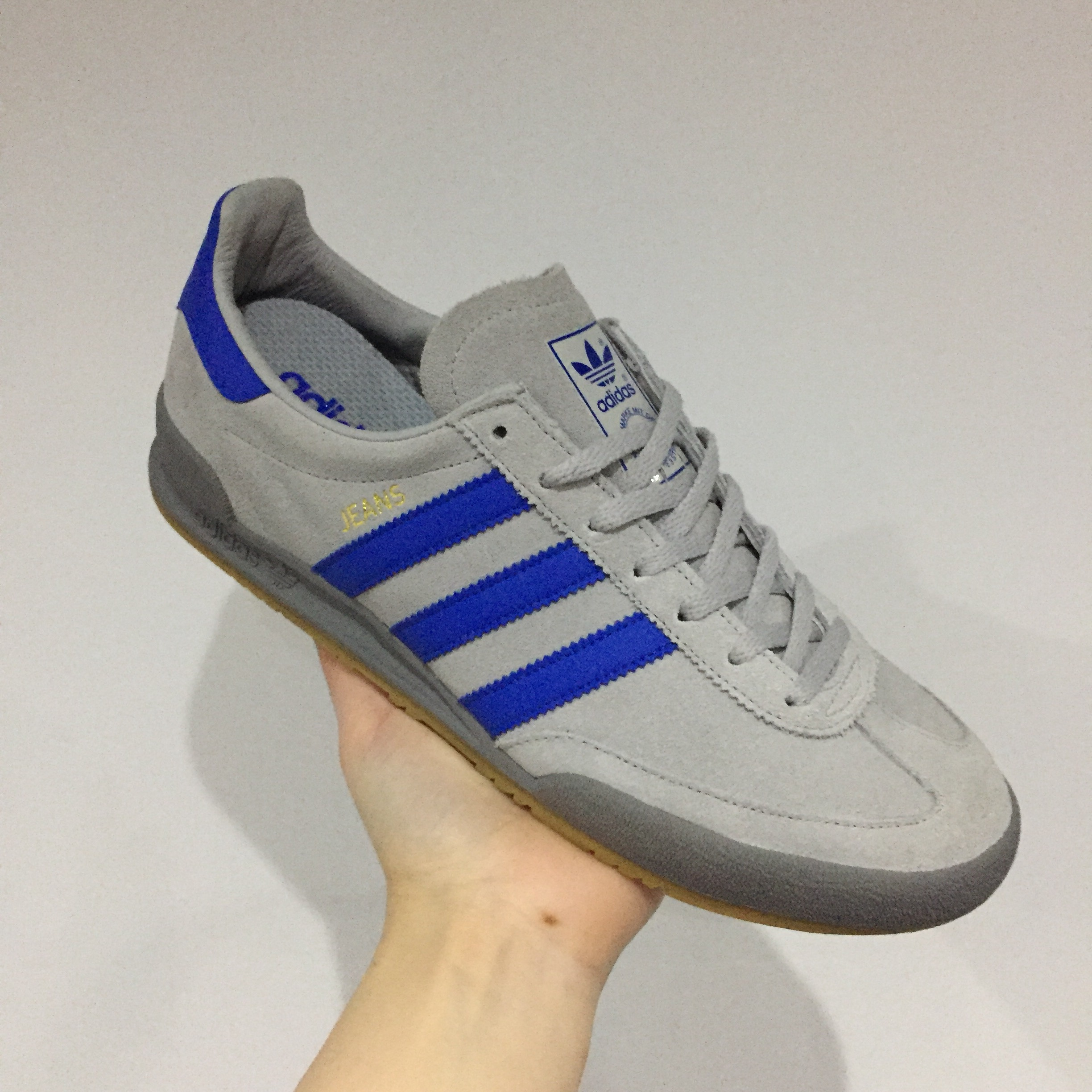 adidas jeans size 7