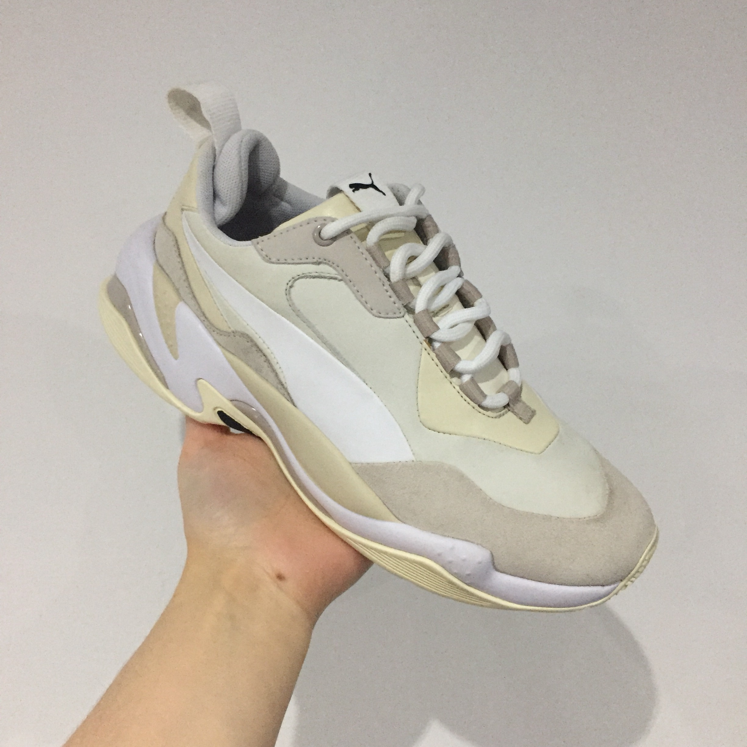 PUMA THUNDER Brand new in box Size 5 White and... - Depop