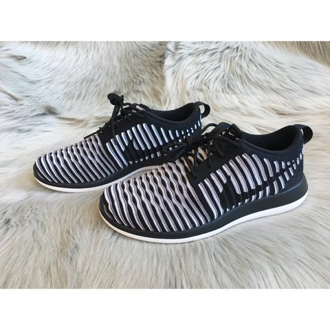 dbba9c6044a1d New Nike Roshe Two Flyknit ✨Brand New With Box Without Lid✨ - Depop