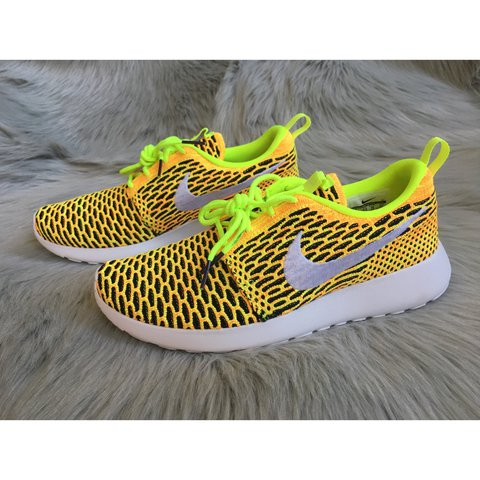 83fa31b6991e New Nike Roshe One Flyknit ✨Brand New With Box Without Lid✨ - Depop