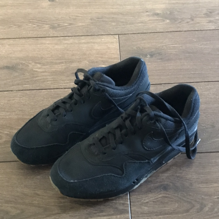 Nike air max 1 blackgum colour 100 on Nike Depop