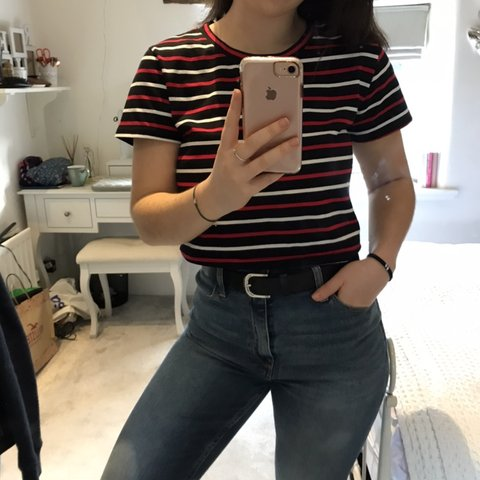 448a3c2e3d Adorable crop T-shirt from shein🤩 says size M but will fit - Depop