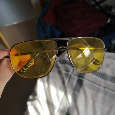 8eb8e25a10 vintage yellow aviator sunglasses    fit a large head bought - Depop