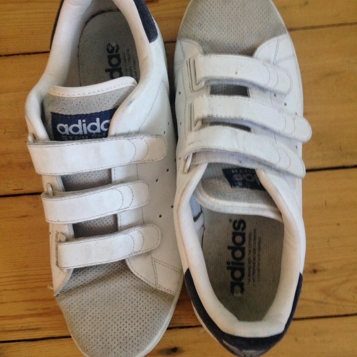 adidas shoes no laces white and navy