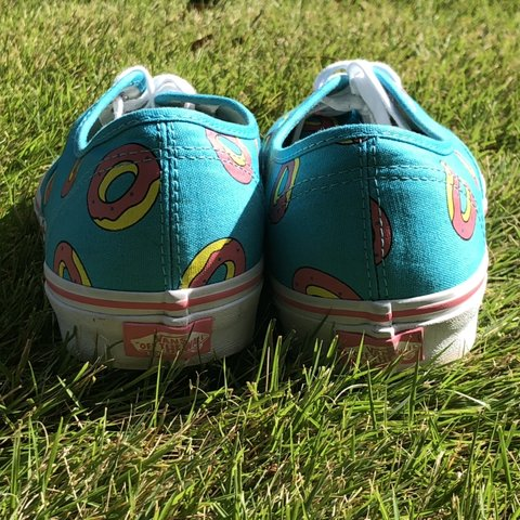a316ea76095 LIMITED EDITION VANS OF DONUT SCUBA BLUE GOOD AS NEW BOX - Depop