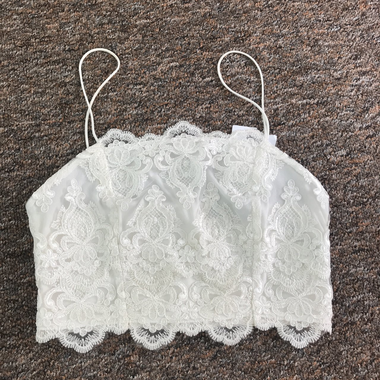 498b4469c6ceb Topshop size 10 White lace embroided crop top Square neck   - Depop