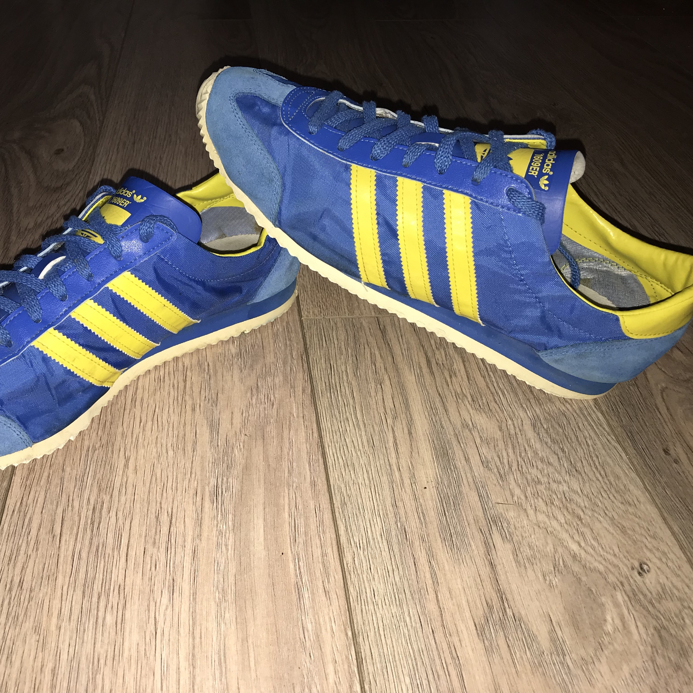 adidas blue yellow trainers Online