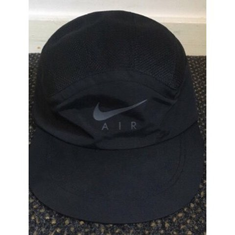 10ee25d140f7d ... closeout supreme x nike trail cap black colour way never been with depop  e873e 95494
